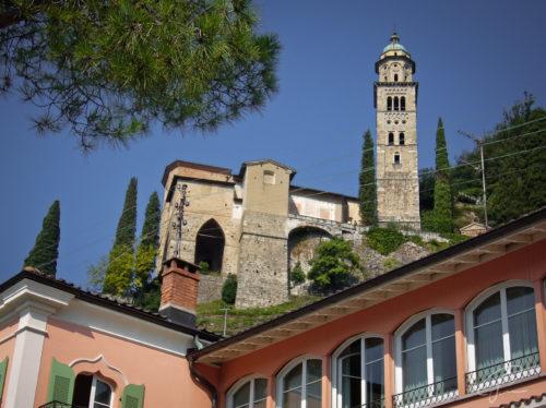 Santa Maria del Sasso gesehen von der Promenade in Morcote am Lago di Lugano