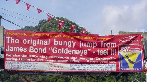Banner mit Details zum Golden Eye Bungy Sprung im Verzasca Tal