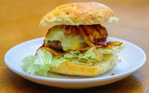 Hausgemachter gegrillter Texas Burger